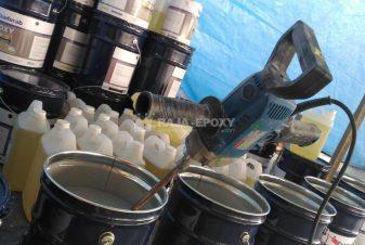 Pencampuran resin epoxy dan pengeras