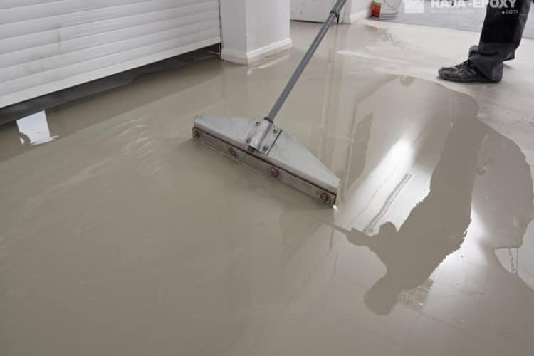 Self Leveling Epoxy Lantai